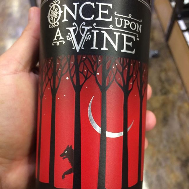 Day 6 of 31 days of Halloween wine labels. Once upon a vine, there was a scary story that had a moon and a werewolf. Oh and wine. Plenty of wine ⠀